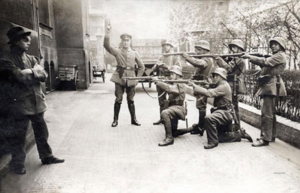 Những người lính Đức ở Munich năm 1919