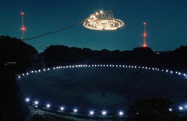 Các nhà thiên văn học đã thu được tín hiệu mới khi xem xét dữ liệu từ kính viễn vọng vô tuyến Arecibo lớn nhất thế giới ở Puerto Rico.