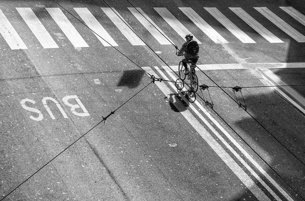 Đi xe đạp trên dây