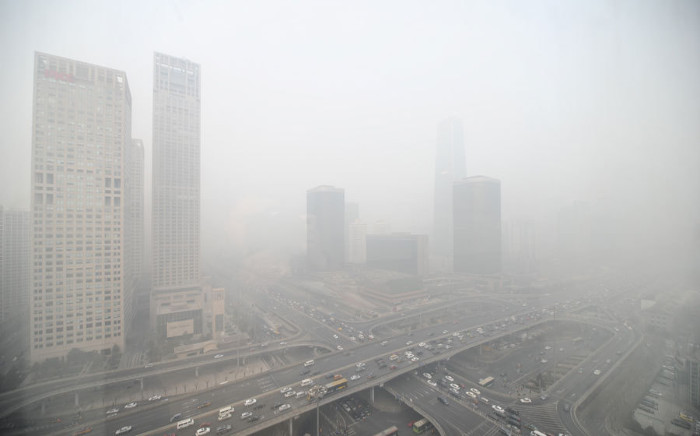 Ô nhiễm không khí dày đặc tại Bắc Kinh.