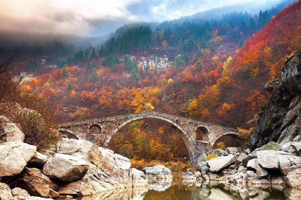 Cầu Devil trong dãy núi Rhodope, Bulgaria