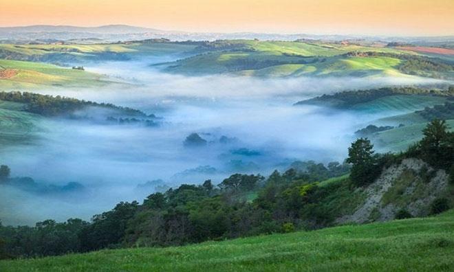 Sương mù thung lũng (Valley fog).