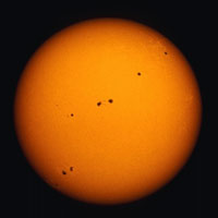 Ngày 9/3: Lần đầu tiên phát hiện vết đen Mặt Trời