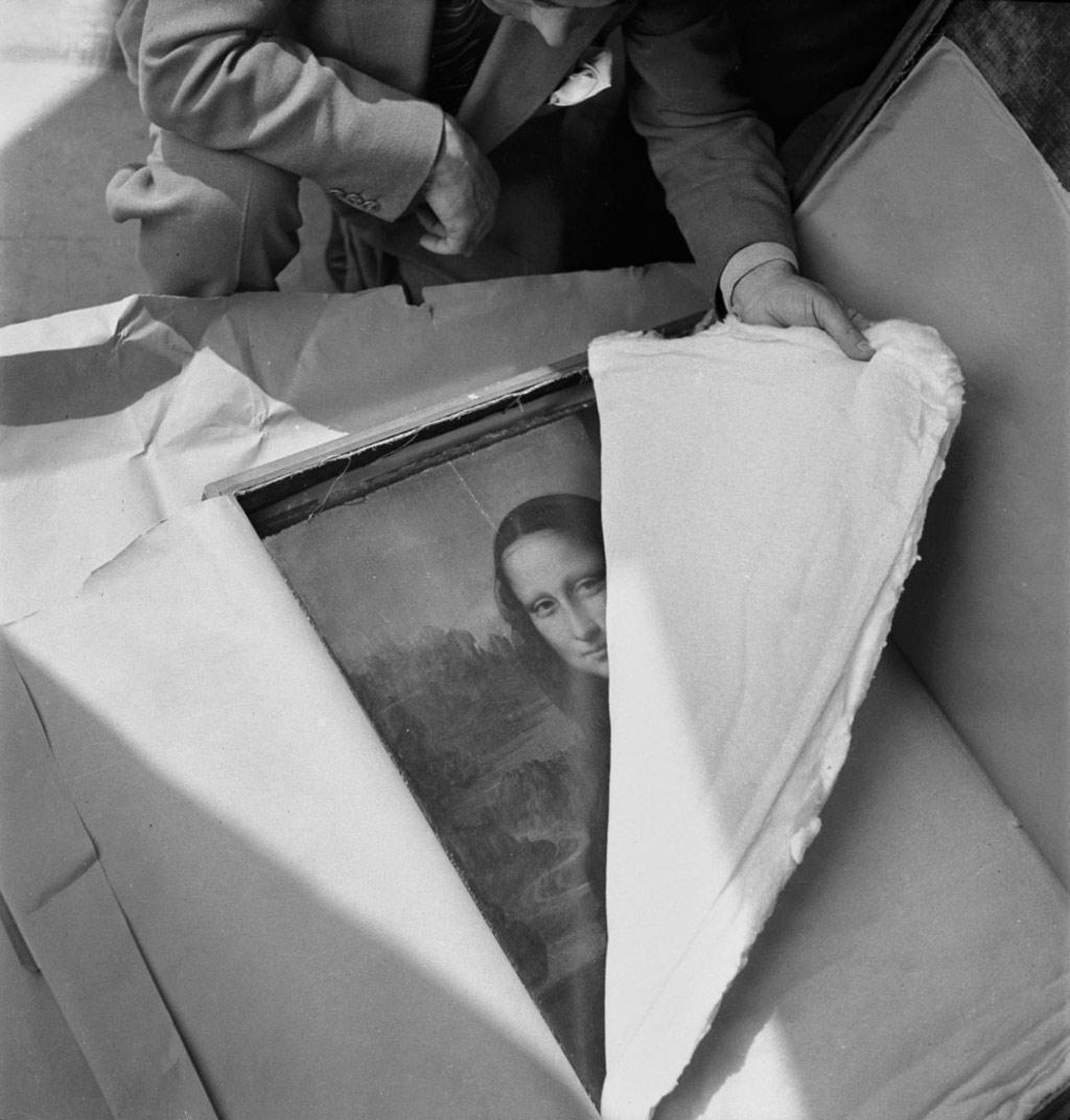 Mona Lisa của Da Vinci được trả lại cho bảo tàng Louvre sau Thế chiến II.