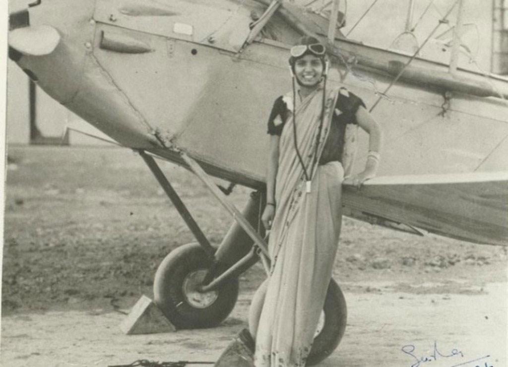 Phi công nữ đầu tiên của Ấn Độ