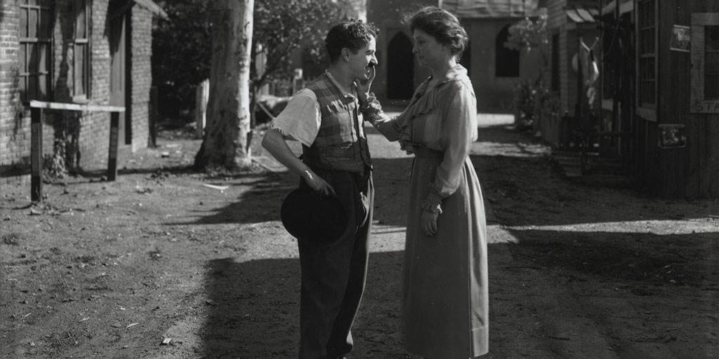 Helen Keller gặp Charlie Chaplin ở Hollywood vào năm 1919