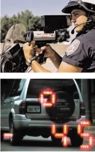 Súng laser có thể bắn xuyên qua kính lái của xe tuần tra.