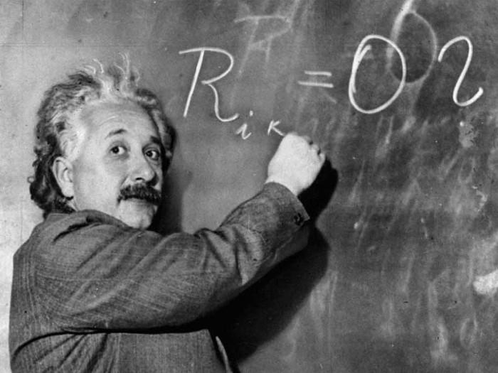 Khi đưa ra một lý thuyết, nhà khoa học đã chạm tới đỉnh cao sự nghiệp của họ.