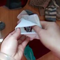 Video: Cách gập tất để không bao giờ lạc mất một chiếc