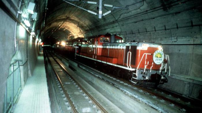 Đường hầm Seikan là đường hầm có độ sâu lớn nhất thế giới.