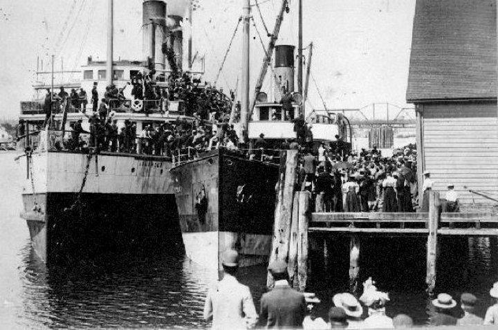 Tàu hơi nước sang trọng SS Islander chìm năm 1901
