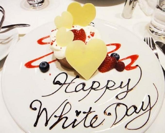 Trong ngày Valentine Trắng, bánh quy, kẹo và socola trắng được ưa chuộng thay vì những loại socola thông thường.