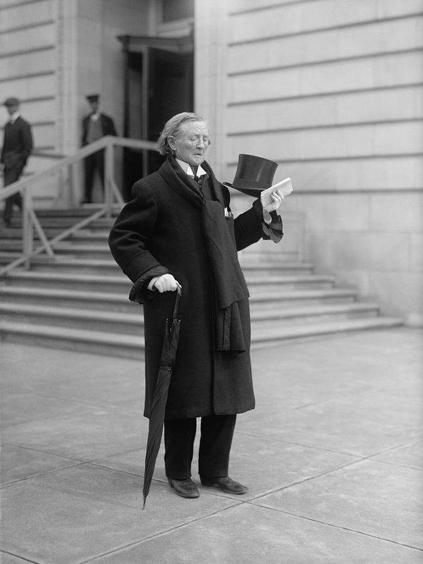 Mary Edwards Walker trong giai đoạn từ năm 1911-1917.