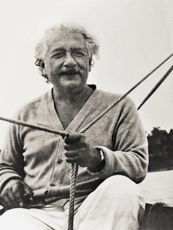 Albert Einstein (1879 - 1955).
