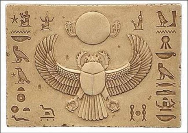 Bọ hung là đại diện cho thần mặt trời Khepri liên quan đến sự hồi sinh