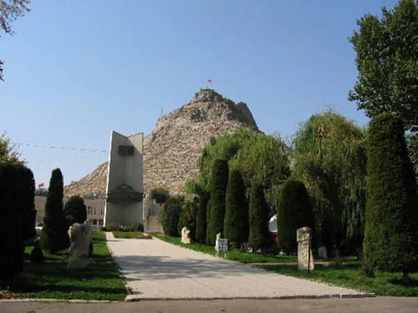 Cho đến nay, các công trình kiến trúc tôn giáo trên ngọn núi thiêng vẫn còn khá nguyên vẹn, và ở trong tình trạng bảo quản tốt.