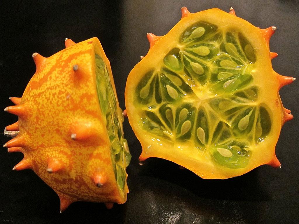 Quả horned melon còn được gọi là quả kiwano, trông giống như dưa chuột. Chúng có nguồn gốc ở vùng châu Phi hạ Sahara. Hiện tại, quả kiwano khá phổ biến ở Mỹ.