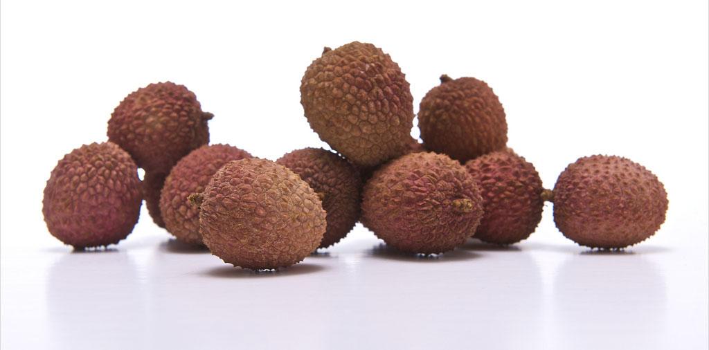 Vải đã được trồng cách đây trên 2.000 năm, đặc biệt giống vải thiều của Việt Nam có cùi dày, hạt nhỏ và hương vị thơm ngon.