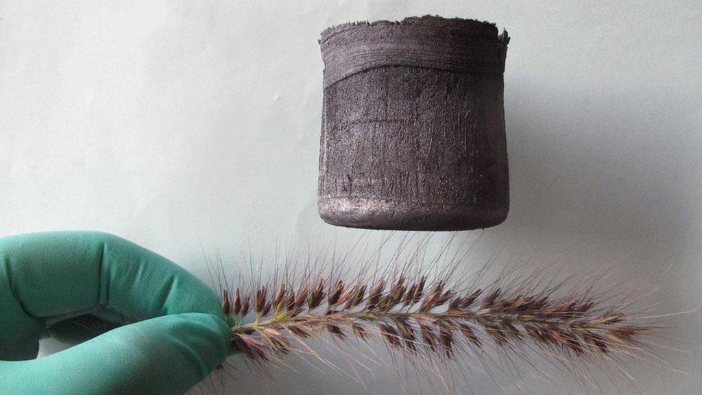 Raphene Aerogel – Một vật liệu được phát minh bởi người Trung Quốc, nhẹ hơn 7 lần so với không khí