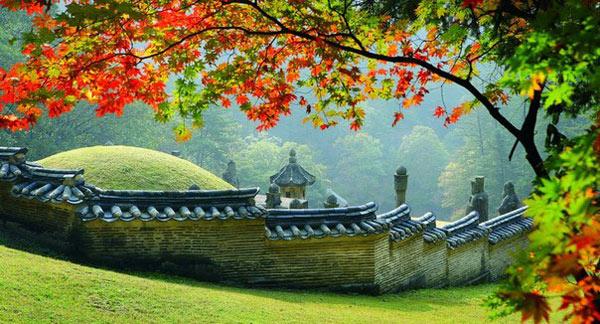 Khu Lăng mộ Hoàng gia Joseon được xây dựng theo những nguyên tắc của thuật phong thủy Hàn Quốc