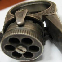 Video: Cận cảnh khẩu súng nhỏ nhất thế giới