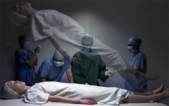 """""""Hồn lìa khỏi xác"""" là một trong những cảm giác có thể xuất hiện khi con người rơi vào trạng thái cận tử."""