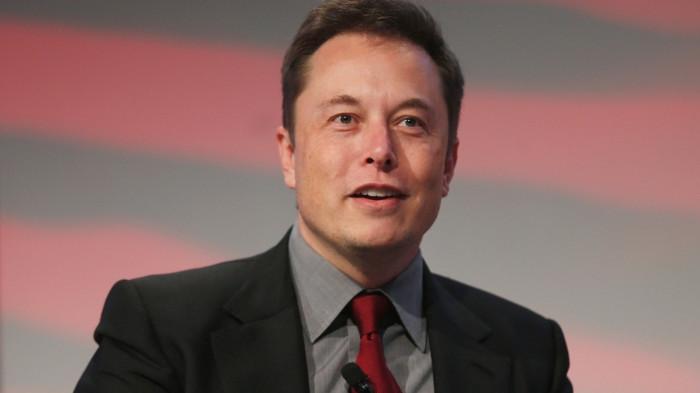 Elon Musk dành ra 6 giờ/ngày để ngủ.