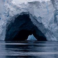 Nam Cực: Băng đang vỡ dần từ bên dưới