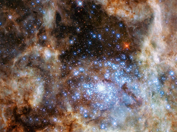 Cum sao sáng gấp 30 triệu lần Mặt trời