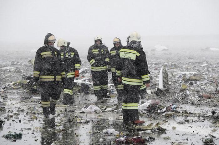 Hãng hàng không FlyDubai và Boeing, hãng chế tạo chiếc máy bay gặp nạn, đã gửi lời chia buồn đến người nhà nạn nhân.