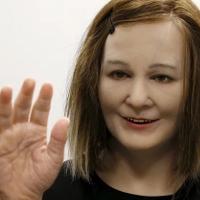 Con robot chăm sóc người già này có thể là nguyên nhân khiến họ chết sớm hơn