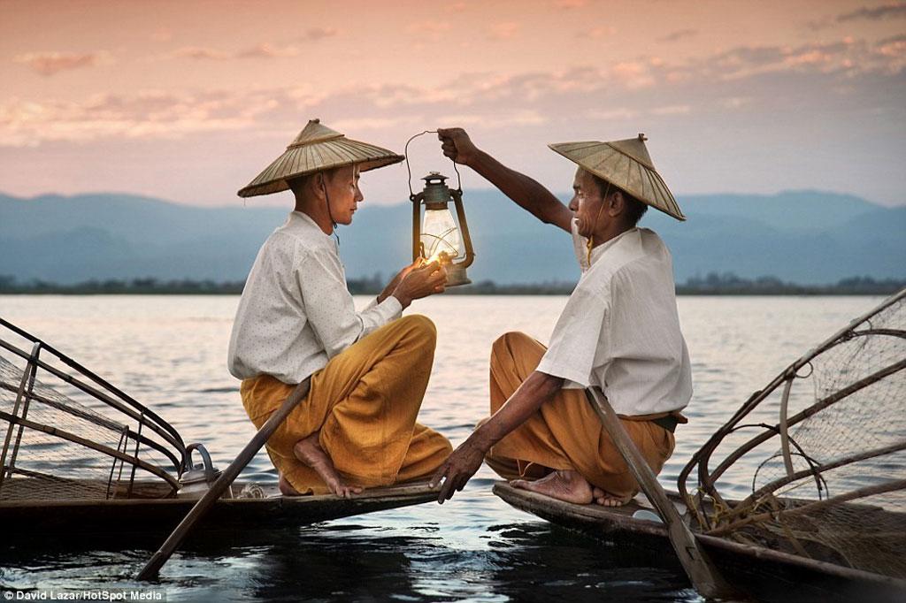 Cuộc sống nơi đây bình dị, tĩnh lặng, giúp du khách có những giây phút thư thái tâm hồn.