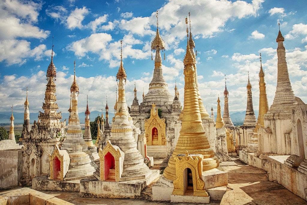 Cụm chùa Shwe Indein ở làng Indein, phía tây hồ Inle.