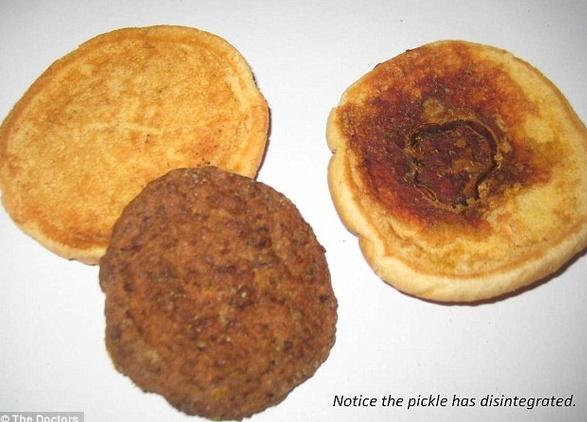 Chân dung chiếc bánh Hamburger 14 năm tuổi.