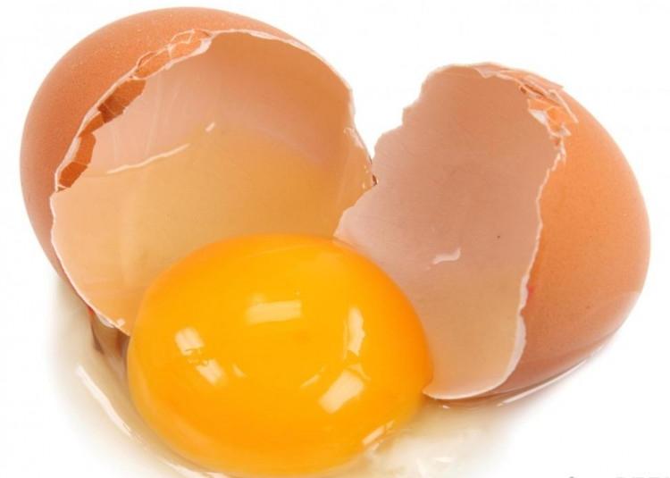 Trứng sống.