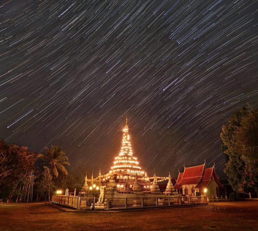 Bầu trời đêm tuyệt đẹp tại xứ chùa Vàng