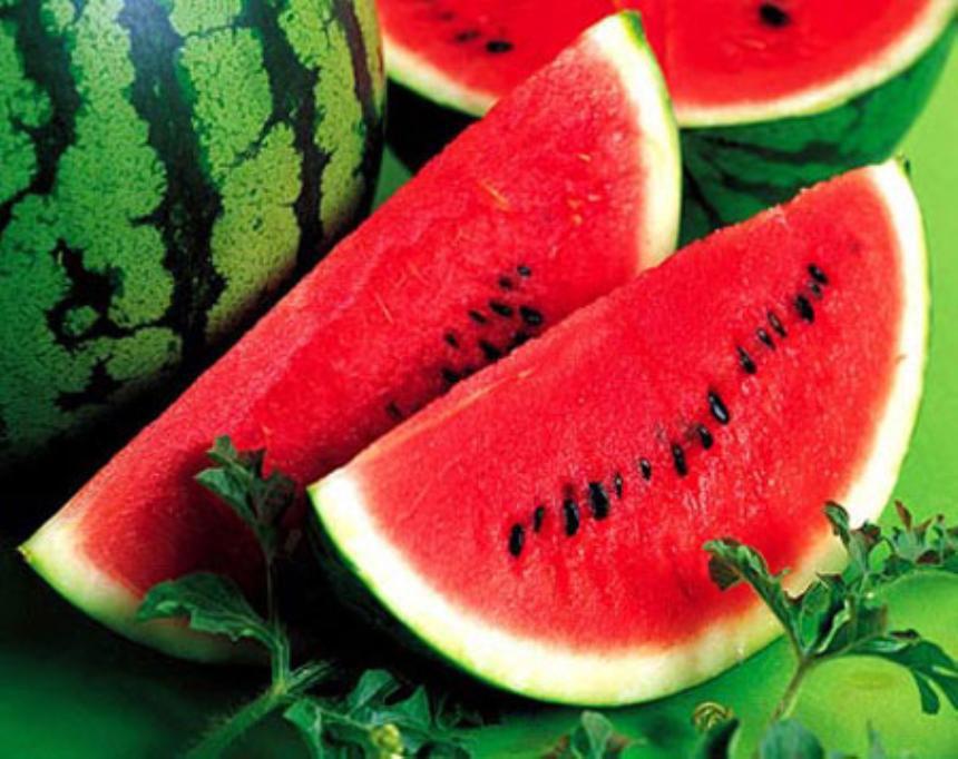 Dưa hấu là loại quả bổ dưỡng được ưa chuộng trong mùa hè