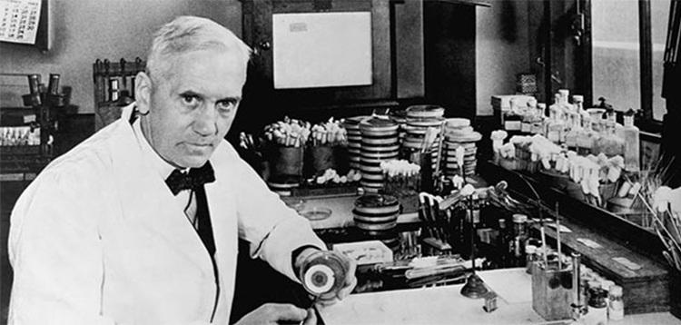 Alexander Fleming, người mở đường cho thời kỳ vàng của tây y với kháng sinh.