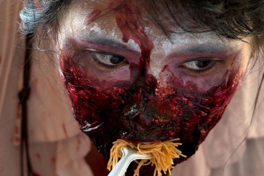 Zombie ăn não