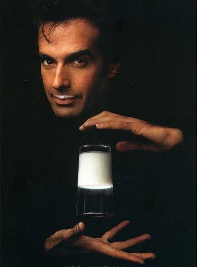 """David Copperfield chính là một """"phù thủy"""" chính hiệu đang làm phép trước mắt hàng triệu khán giả"""
