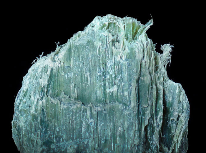 Asbestos - Mg3Si2O5(OH)4