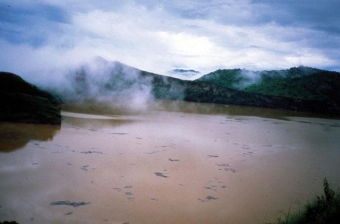 Hồ nổ