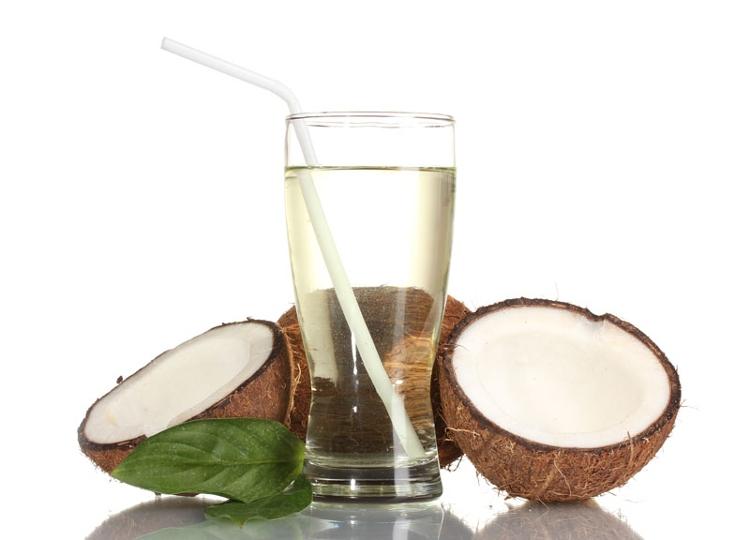 Nước dừa cung cấp đầy đủ nguồn khoáng chất điện phân giúp giấc ngủ sâu và không bị gián đoạn.