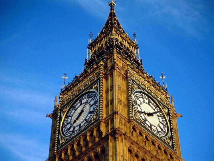 Đồng hồ Big Ben sẽ chuyển sang chế độ đồng hồ điện tử.