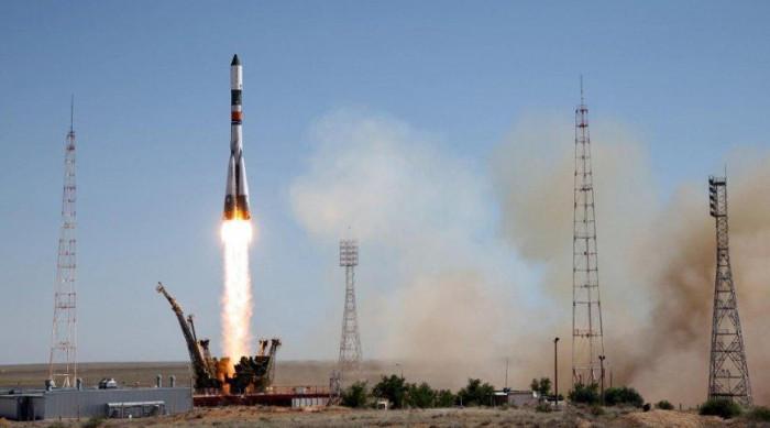 Tàu vận tải Progress MS-02 chở lên ISS hơn 2,5 tấn hàng hóa trong đó có vi vệ tinh đầu tiên trên thế giới.