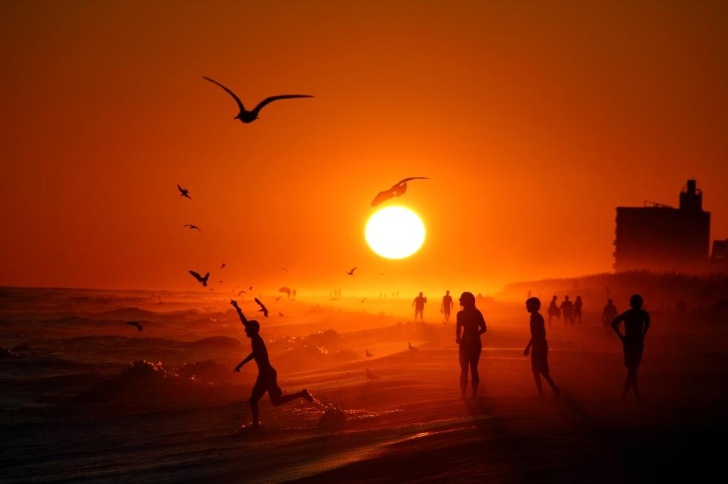 Mặt Trời lặn ở Bãi biển Pensacola, Florida