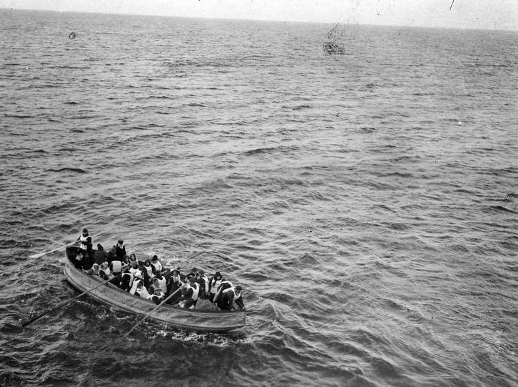 20 xuồng cứu sinh của Titanic có thể chở được 1.178 hành khách.
