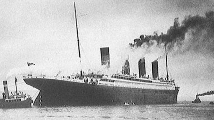 Sau khi khởi hành có sự cố đám cháy xuất hiện trên tàu.