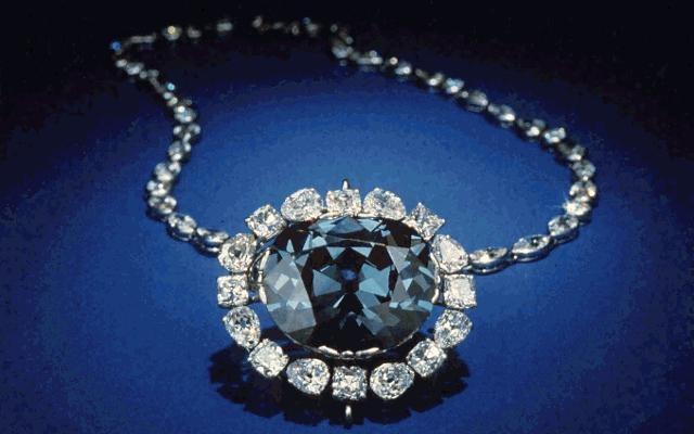 Lời nguyền của viên kim cương Hy Vọng.