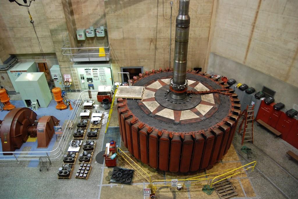 Một máy phát điện (rotor) của đập Hoover ở Mỹ.